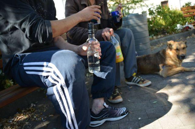 مصرف کنندگان مواد مخدر و الکل در برابر ویروس کرونا آسیب پذیرترند